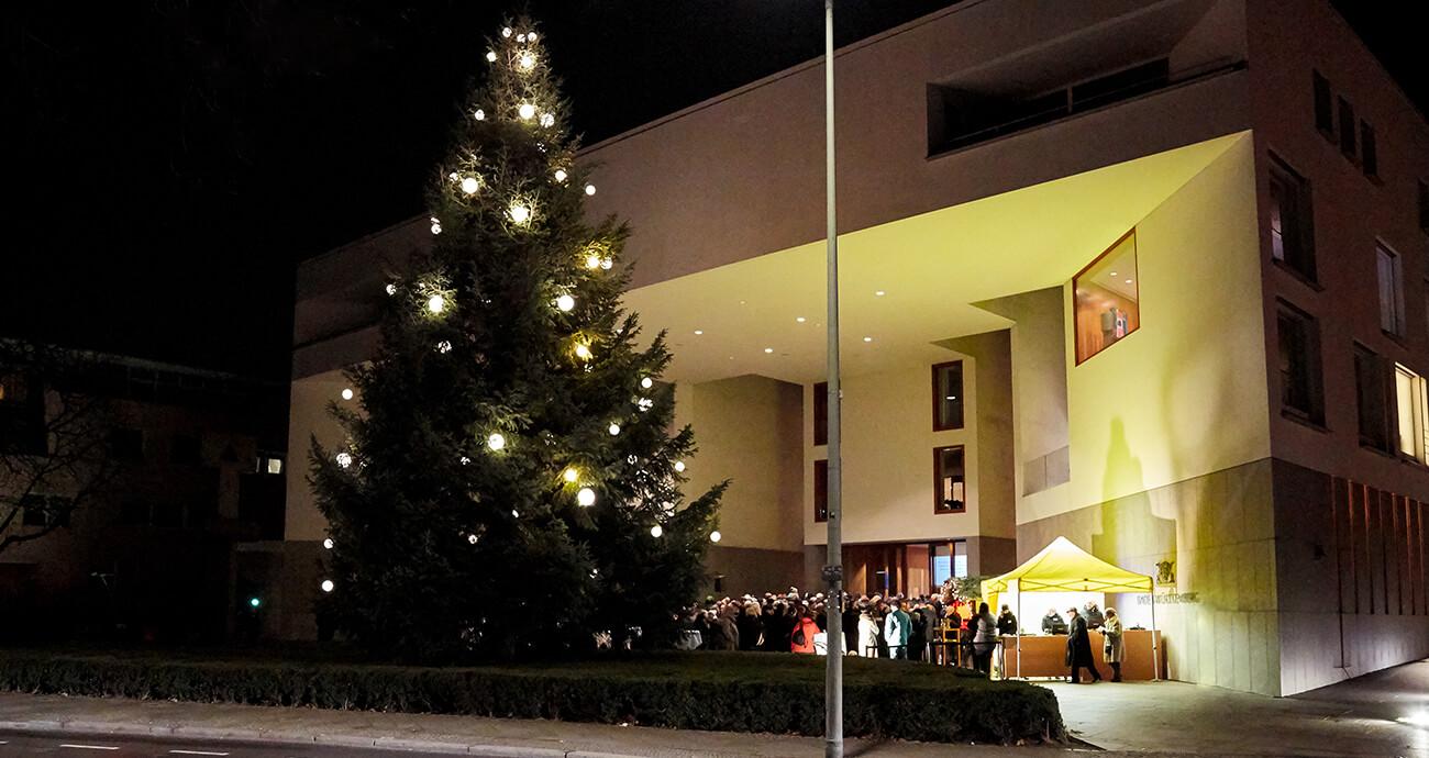 Weihnachtsbaum Berlin.Kai Whittaker Weihnachtsbäume Für Berlin